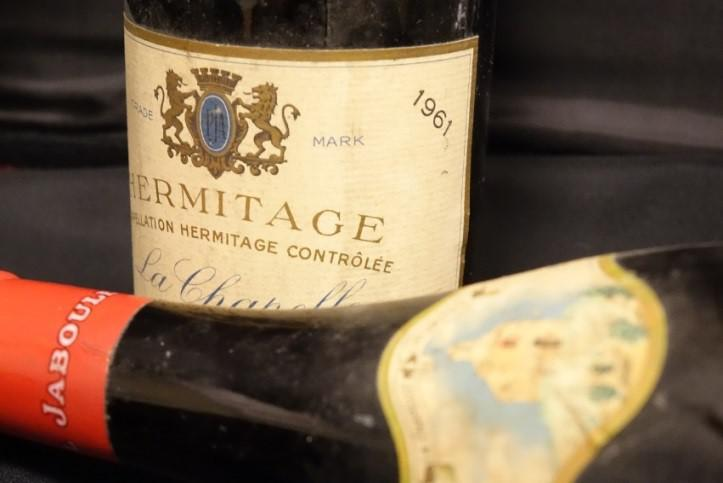 Arts gastronomie le vin le plus cher vendu aux for Vinyl le plus cher